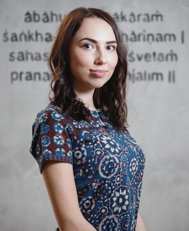 Администратор студии йоги Virgou в Омске Виктория Авраменко